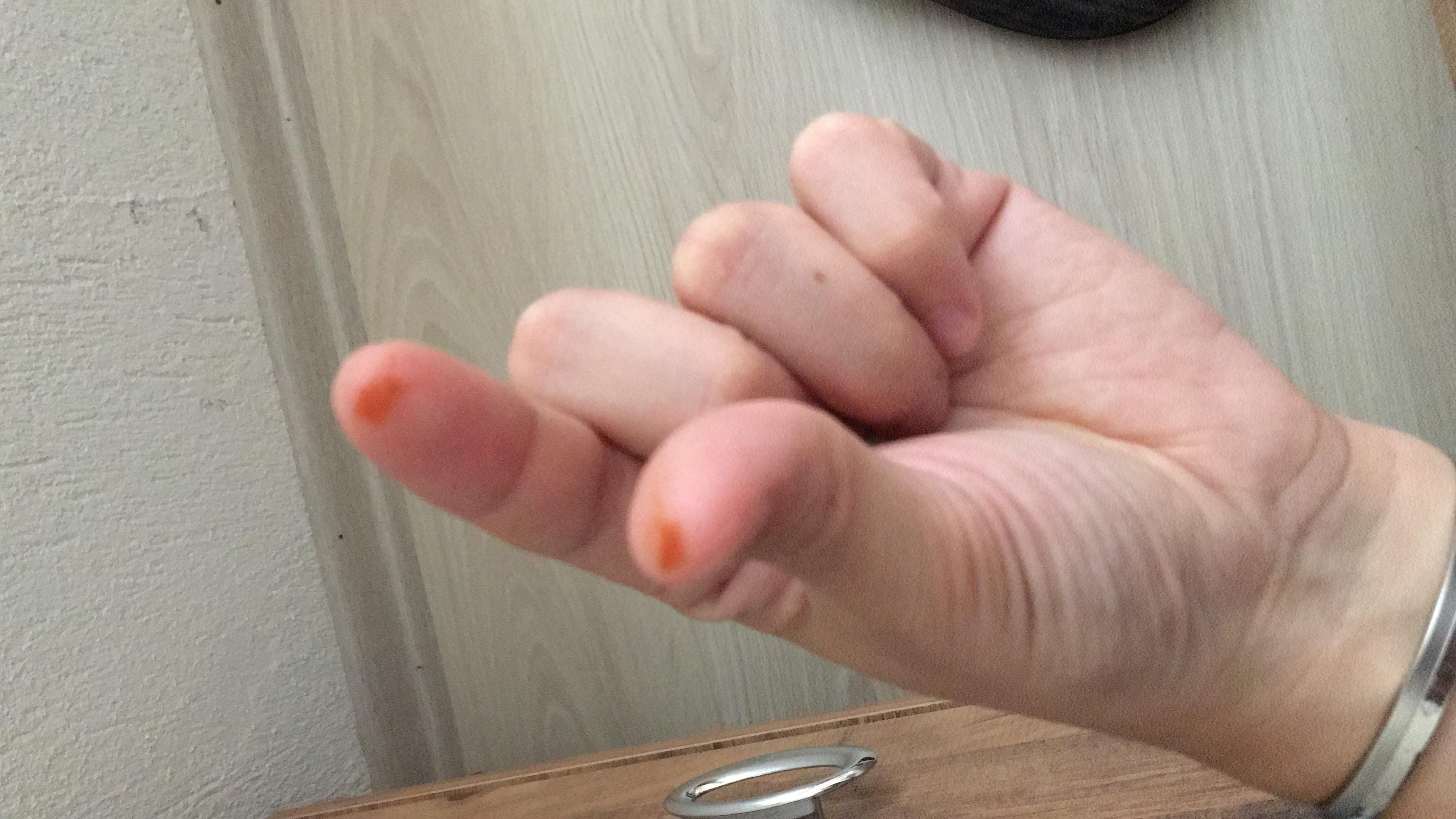 uyandigimda parmaklarim kinaliydi r10 net